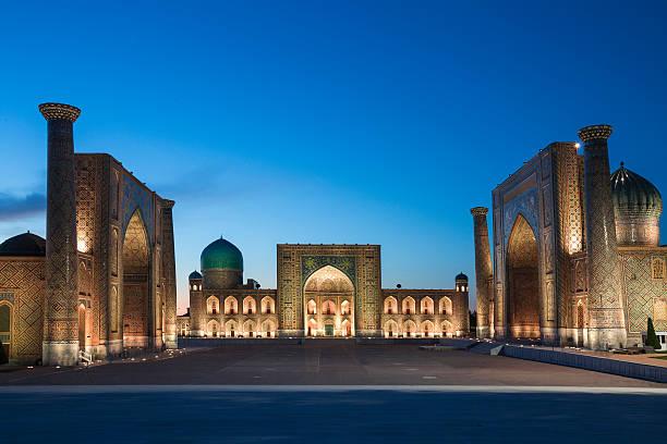registan square in samarkand, uzbekistan. - oezbekistan stockfoto's en -beelden