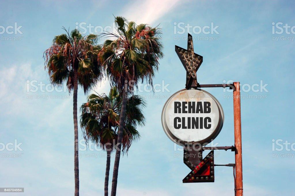 Rehabilitacion Clinica Muestra Con Palmeras Foto De Stock Y