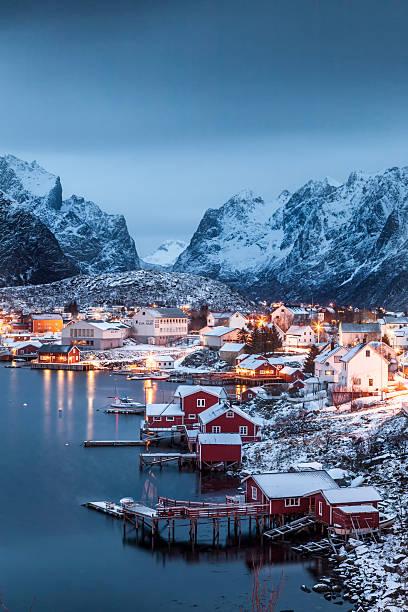 Reine auf den Lofoten, Norwegen - foto de acervo