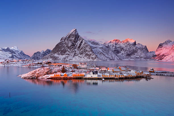 Reine on the Lofoten islands in northern Norway in winter - foto de acervo