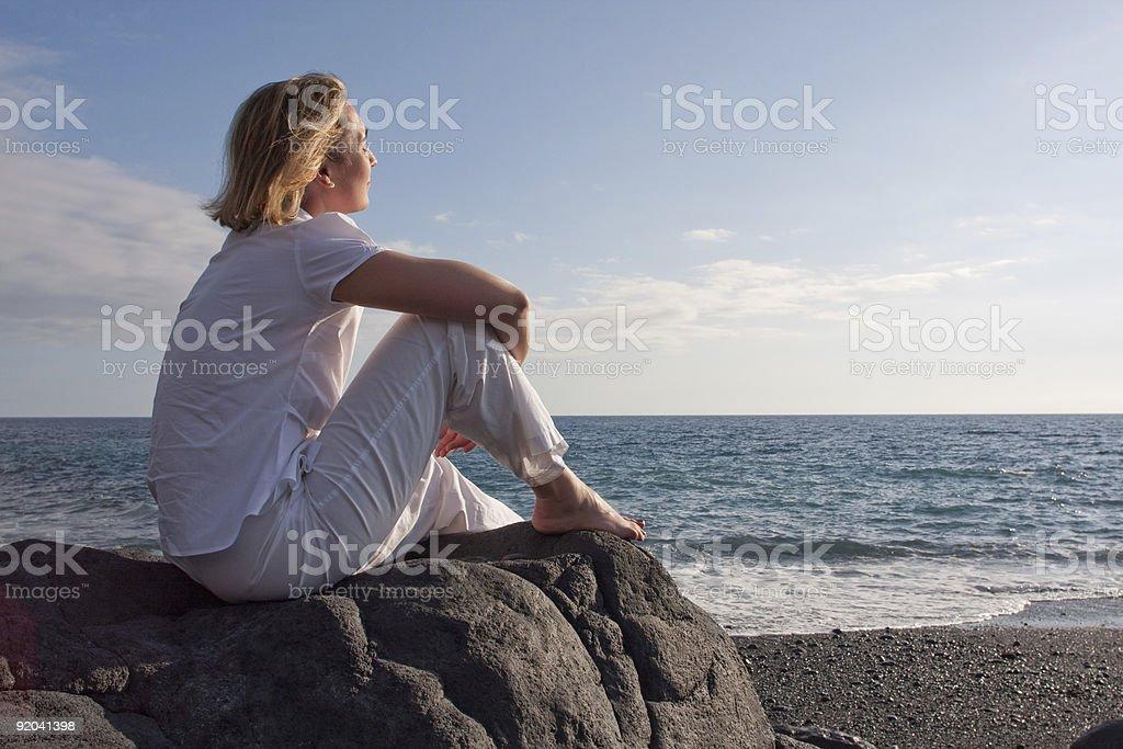 Relaxar na praia foto de stock royalty-free