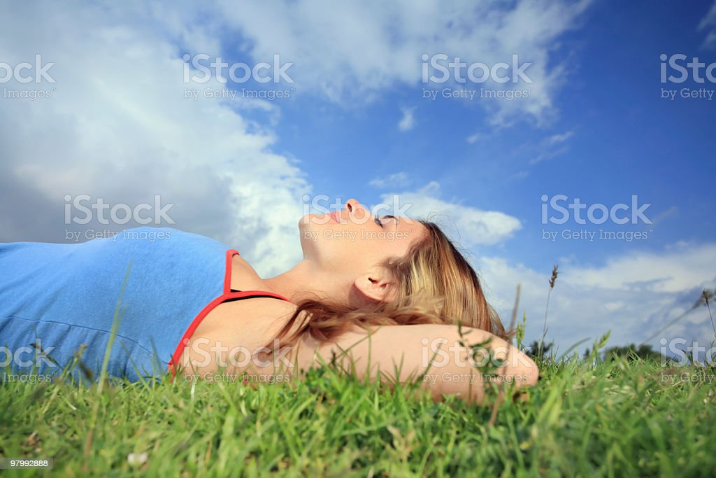Relaxation on field. royalty free stockfoto
