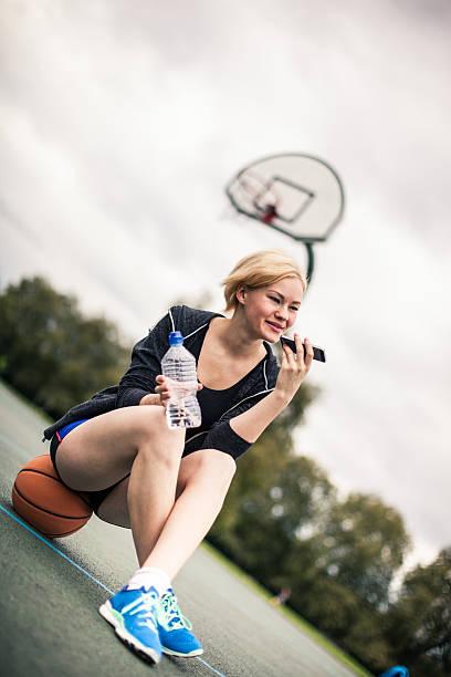 Entspannen Sie sich nach dem basketball-Spiel im Paradies – Foto