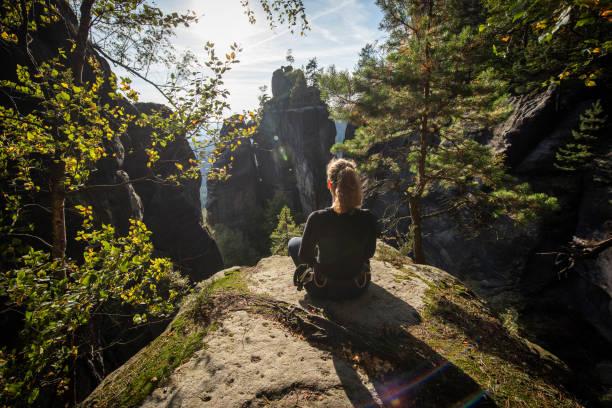 Entspannen nach dem Klettern in der Sächsischen Schweiz, Sachsen, Deutschland – Foto