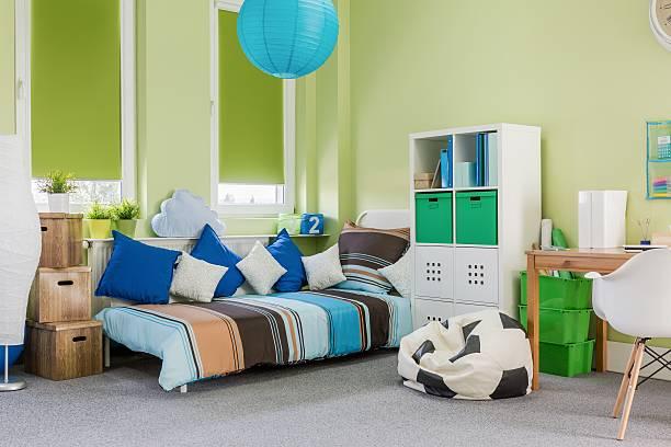 entspannende und arbeitszimmer raum - schlafzimmer teenager stock-fotos und bilder