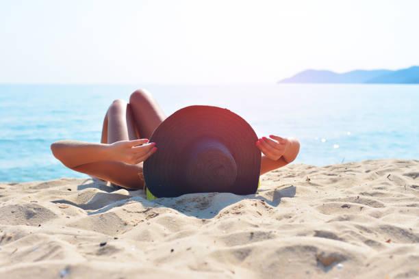 Картинки по запросу sunbathing