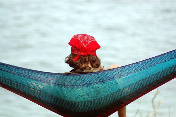 entspannung am see - hippie stirnbänder stock-fotos und bilder