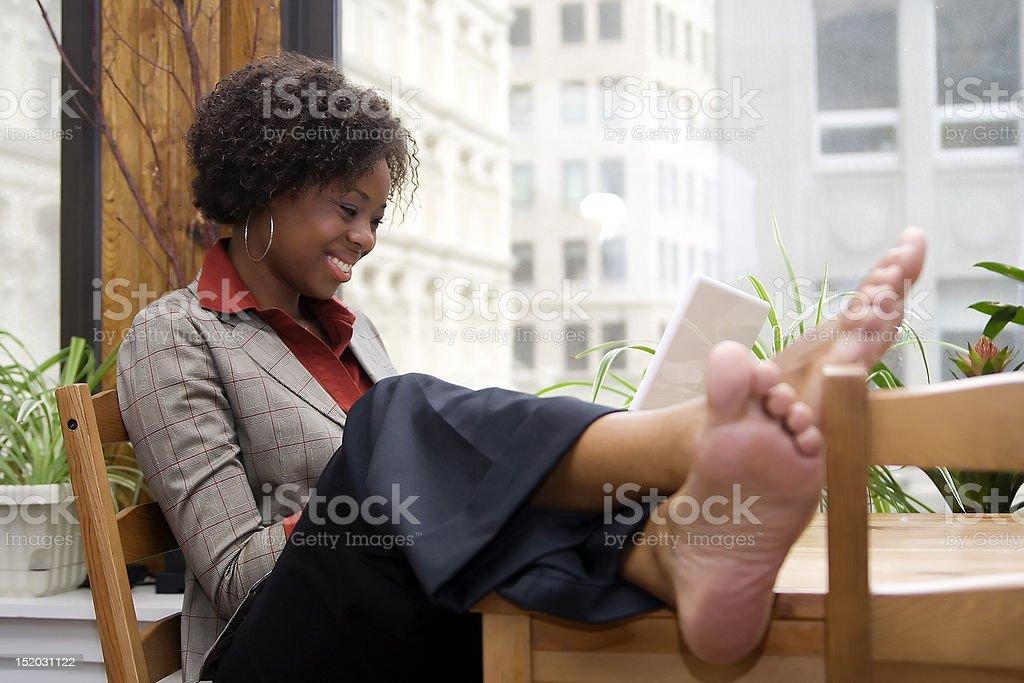 Расслабляющий во время работы стоковое фото