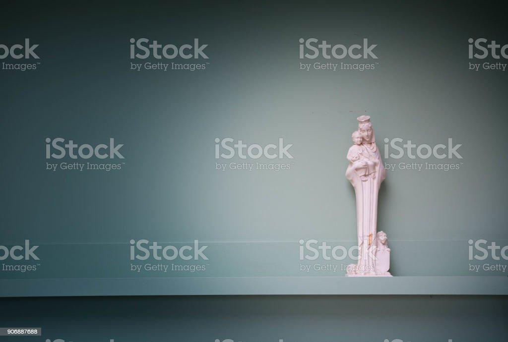Religion-christlichen Hintergrund-Textur mit einer Skulptur der Heiligen Maria – Foto