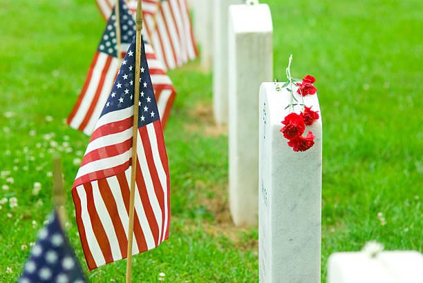recordar los caídos - memorial day fotografías e imágenes de stock