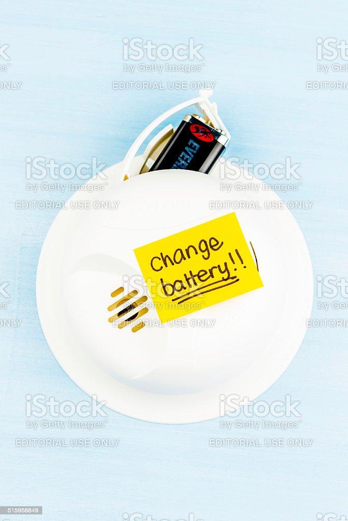 Reminder to Change Smoke Detector Batteries bildbanksfoto