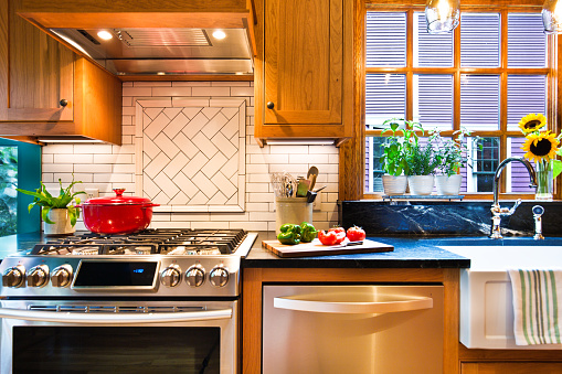 Remodeled Contemporary Classic Kitchen design with Gas Stove Range