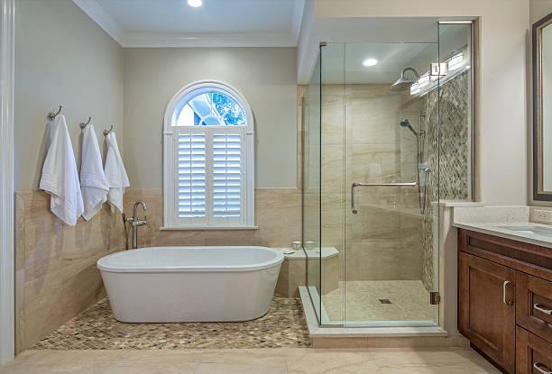 Remodelado banheiro principal - foto de acervo