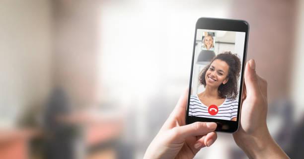 distansinlärning eller arbete. videokonferenskoncept. - video call bildbanksfoton och bilder