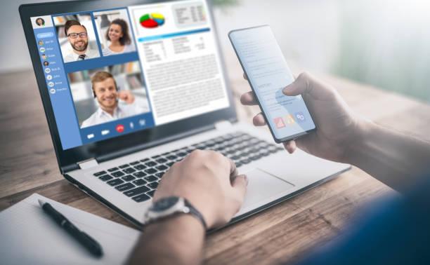 aprendizaje remoto o trabajo. concepto de videoconferencia. - online meeting fotografías e imágenes de stock