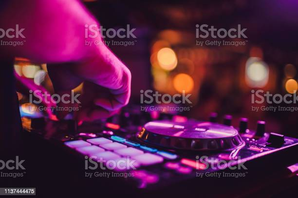 Remote turntables and hands night life at the club party picture id1137444475?b=1&k=6&m=1137444475&s=612x612&h=kj3o3rdv3o0nsz8nspkbi9qryyuhuv rld29ipwobcc=