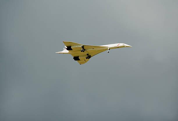 télécommande concorde maquette à l'échelle - avion supersonique concorde photos et images de collection