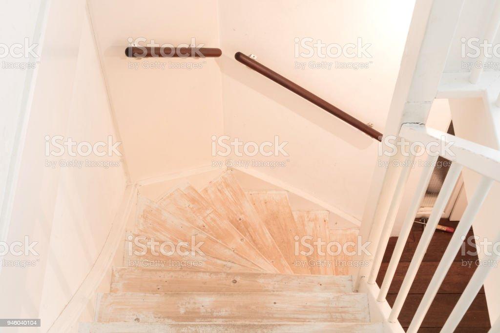 Ein Vintage Treppen Entfernen Teppich Leim Und Lack Stock Fotografie