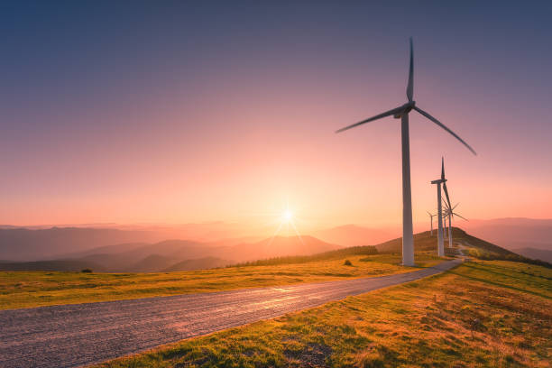 energías renovables con turbinas de viento - foto de stock