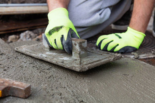 renovieren betonfahrbahn in home / budget diy-version. - diy beton stock-fotos und bilder