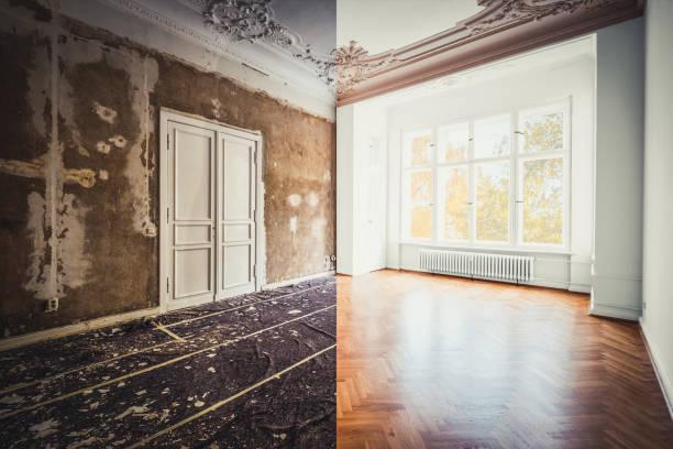 Sanierungskonzept-Zimmer in der Wohnung vor und nach Renovierungsarbeiten.  Verputzte und bemalte Wände, weiße Türen und Holzparkett-Parkettboden- – Foto