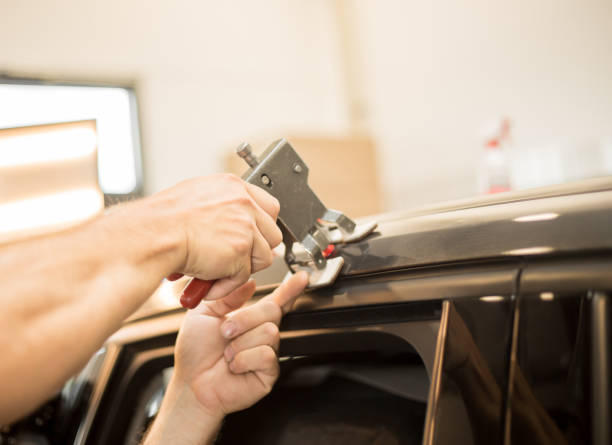 repairing dents in a car - dent stock pictures, royalty-free photos & images