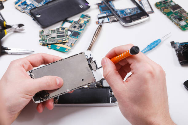 15,320 Mobile Phone Repair Stock Photos, Pictures & Royalty-Free Images -  iStock
