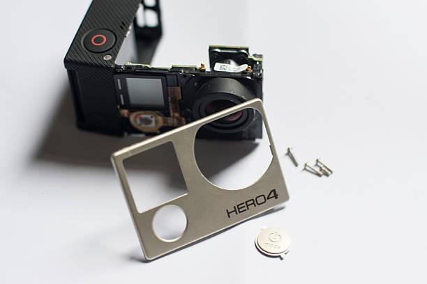 reparing ein go pro hero 4 - do it yourself videos stock-fotos und bilder