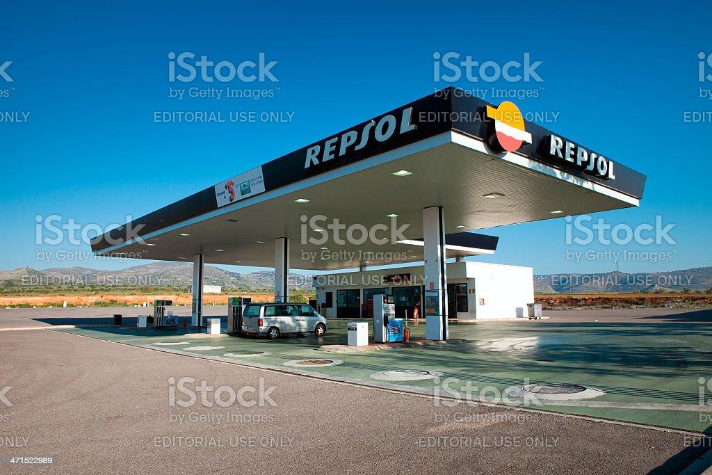 Repsol estación de - Foto de stock de Combustible fósil libre de derechos