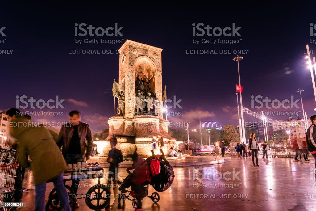 Republic Monument on Taksim square in Istanbul - Royalty-free Adulto Foto de stock