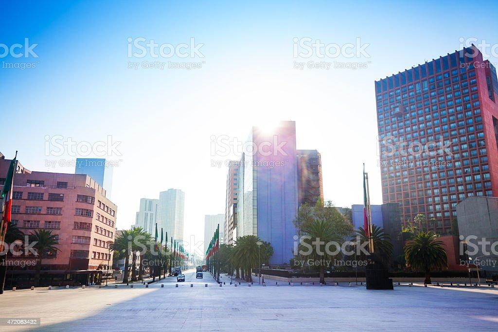 República square cerca del monumento a la independencia de México - foto de stock