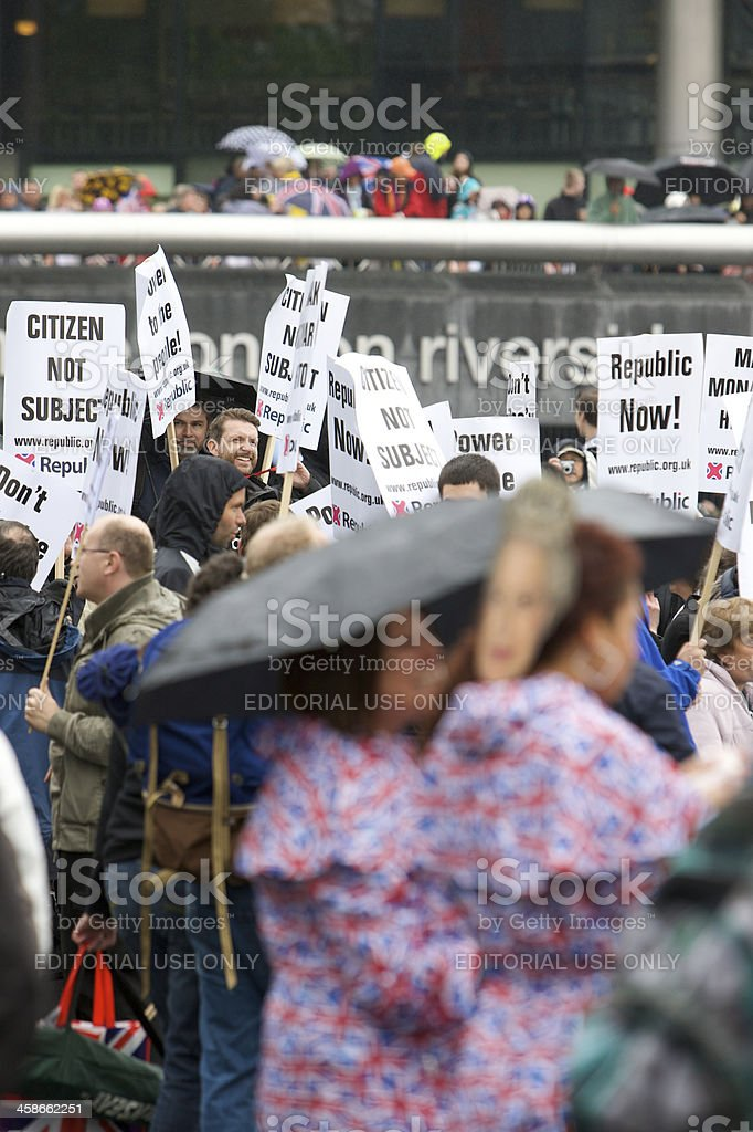 Republican demonstrators at the Queen's Diamond Jubilee River Pageant royalty-free stock photo