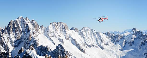 Rescue Hubschrauber in Alpen – Foto