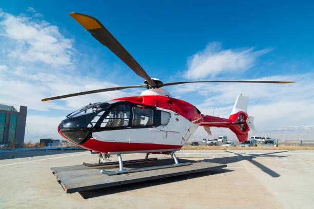 rescue helicopter - first responders zdjęcia i obrazy z banku zdjęć