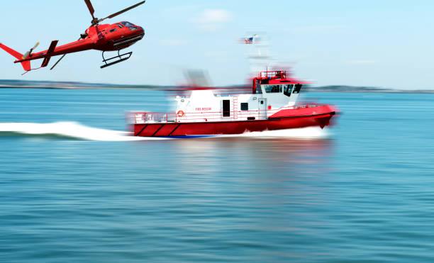 räddningstjänsten för båt olycka - livbåt bildbanksfoton och bilder