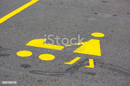 istock Reserved parking bay for mothers with babies 898466548