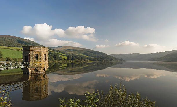 reservoir reservoir in the brecon beacons wales brecon beacons stock pictures, royalty-free photos & images