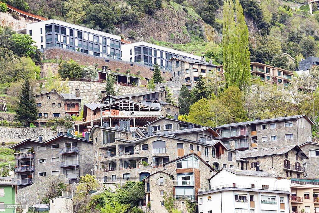 Residence district nos Pirineus - foto de acervo