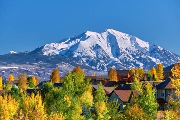 Wohngegend in Colorado im Herbst – Foto