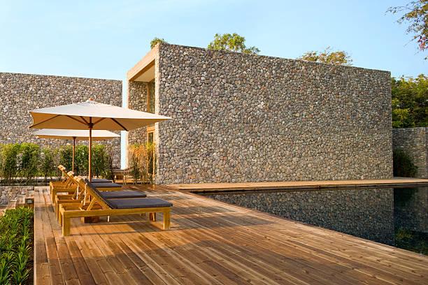 resort-deck - ferienhaus thailand stock-fotos und bilder