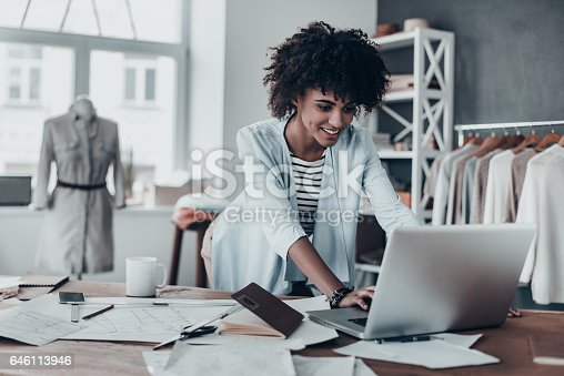 istock Responding on business e-mail. 646113946