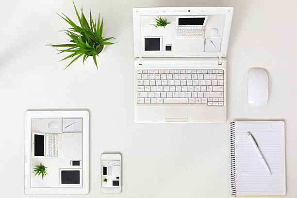 Responsive Design Theme Example Electronic Gadgets on white Background – Foto