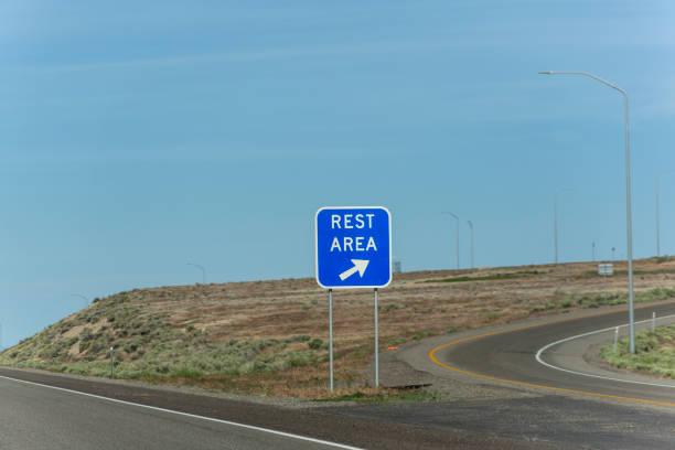 Ruhebereich Verkehrsschild auf der Autobahn zwischen utah und nevada USA Amerika – Foto