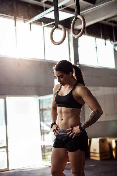 ruhepause - gymnastik tattoo stock-fotos und bilder