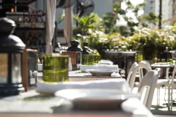 decoração de restaurante - tabela de configuração - fine dining - fotografias e filmes do acervo