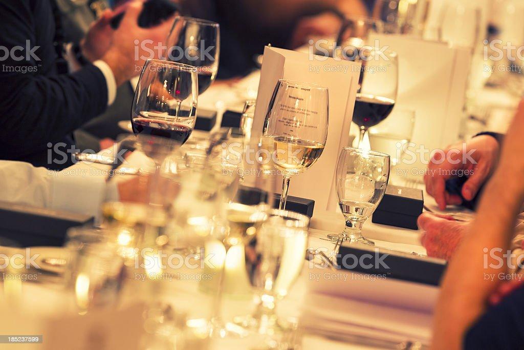 Comedor interior del restaurante - foto de stock