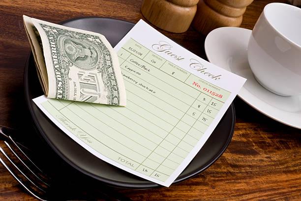 проверка гостя - dollar bill стоковые фото и изображения