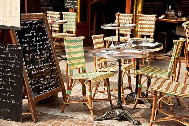 Restaurante em Paris - foto de acervo
