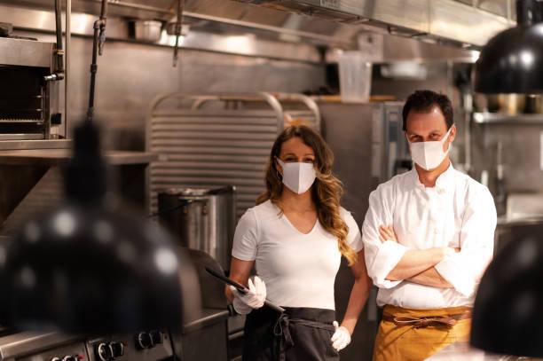 Restaurant nach COVID-Sperrung geöffnet – Foto