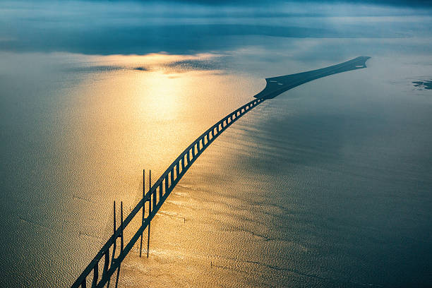 copenhagen, denmark - may 19, 2016: øresund bridge - öresund bildbanksfoton och bilder